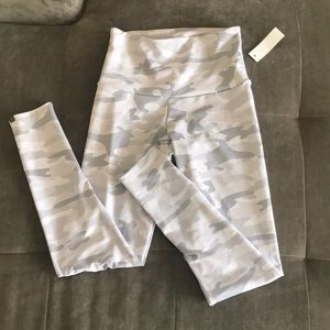 Onzie Flow Camo Leggings